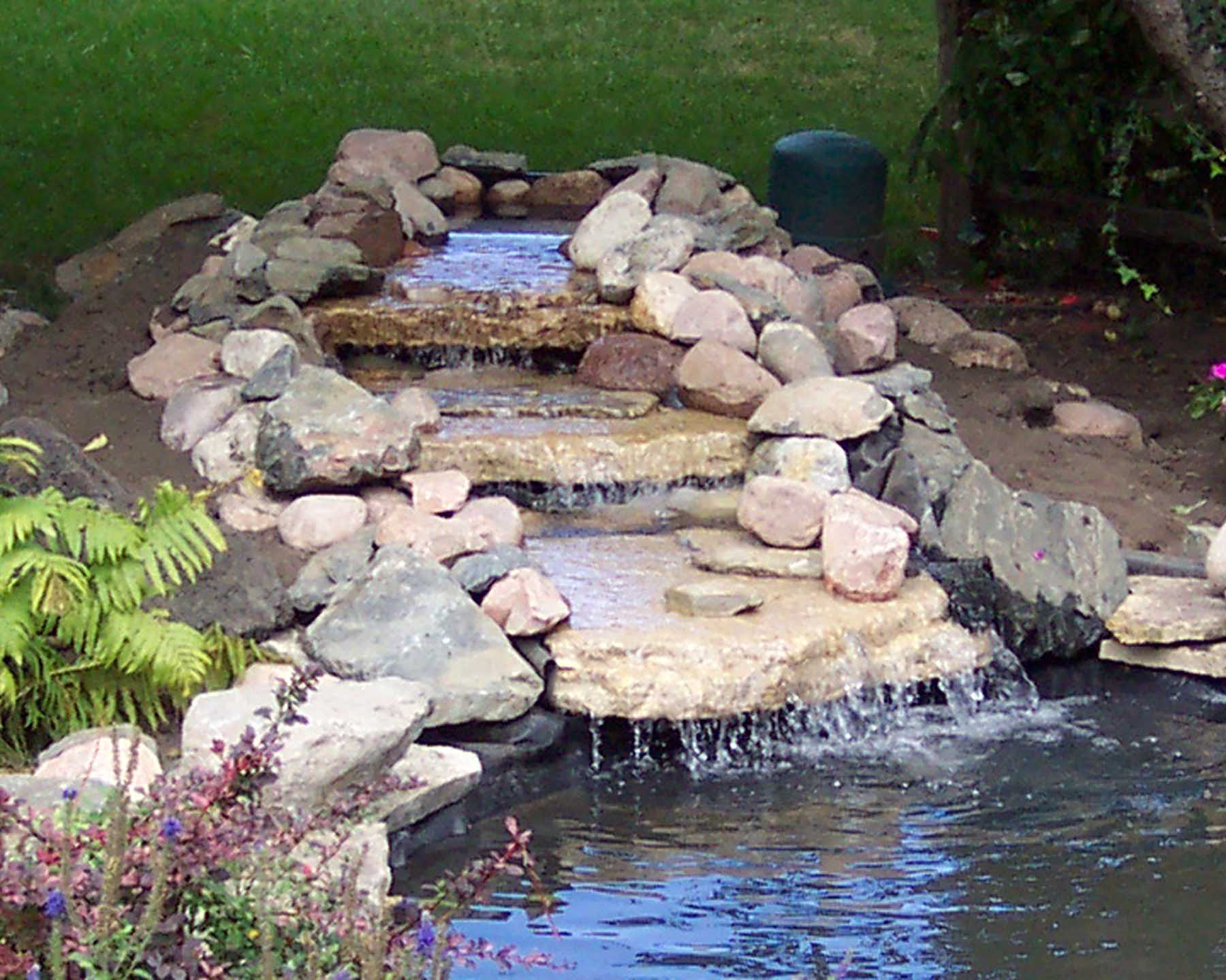 Hints waterfall for Making ponds for a garden